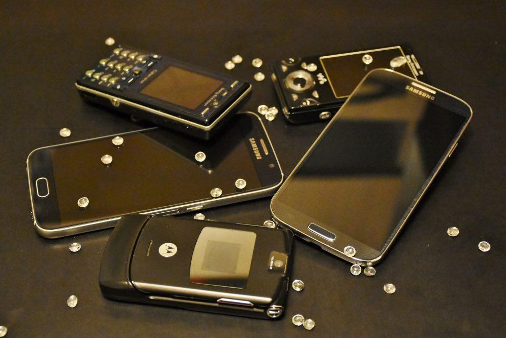 smartphone pieghevoli razr